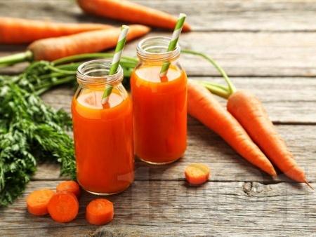 Сок / фреш от моркови, магданоз и портокал - снимка на рецептата